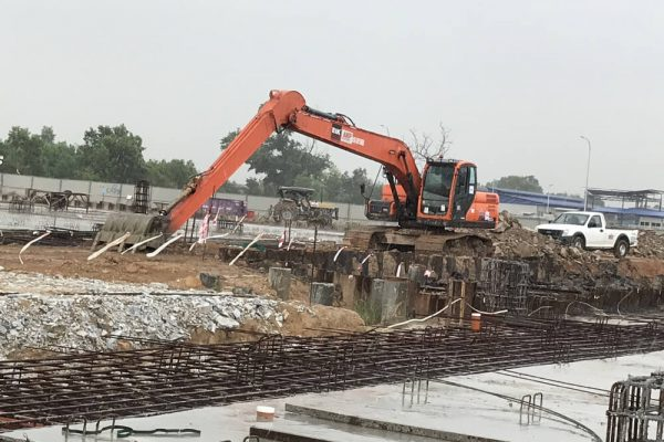 Long Reach Excavator Doosan DX200 at Klang