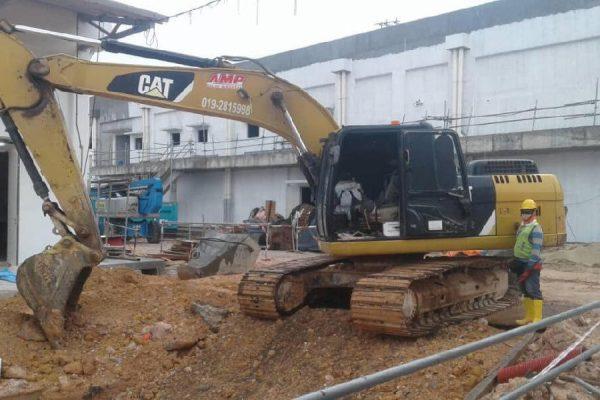 Standard Excavator CAT320D