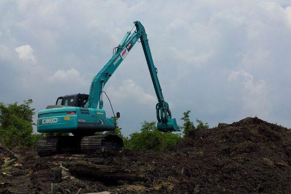 11M Long Reach Excavator Kobelco SK130L