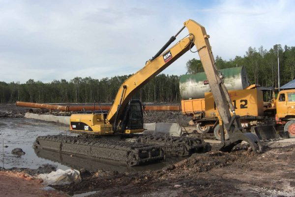 CAT320D/AM200 Amphibious Excavator