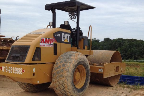 Caterpillar CAT CS533E Compact Roller