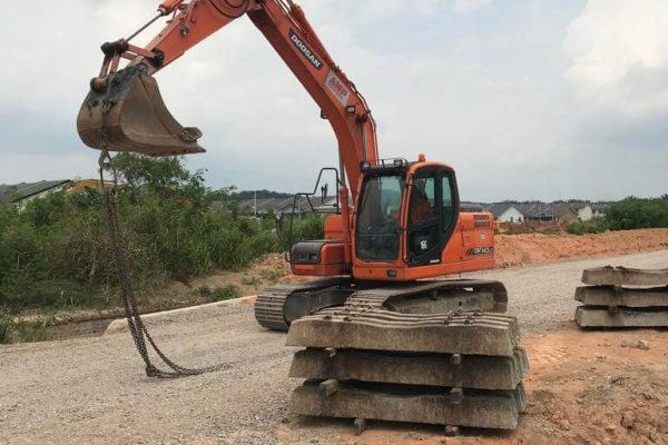 Doosan DX140 - Double Track